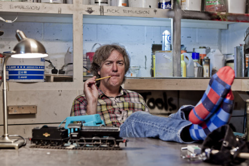 artsieaspie:  (via James May's Man Lab - James and pencil - Twitvid)