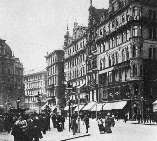 "© Andreas Lehne, ca. 1900, Stephansplatz, Warenhäuser Rothberger; Vienna / Austria Department stores at Stephansplatz (from the book ""Wiener Warenhäuser 1865 – 1914"").  Tomorrow I'm going to play tourist in my own hometown, Vienna. I'll promenade at Stephansplatz, drink coffee at Café Hawelka, travel round the city with the Straßenbahn, take photos of the Riesenrad, visit Schloss Schönbrunn and all that things tourists from other countries would possibly do in this beautiful city. I'm really looking forward to it! Have you ever done that in your home town? Link ""Andreas Lehne's photo meets 2011 - A photo mix up"" » find more photobooks here «"