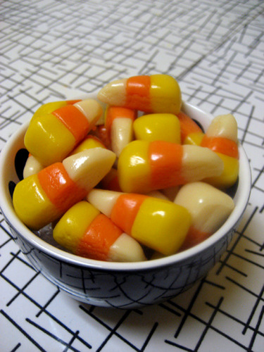 onhershoulders:  Homemade Vegan Candy Corn!
