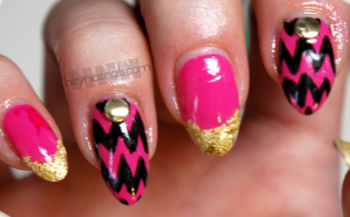 heynicenails:  Zig-zag and gold leaf french tip mani using Deborah Lippmann in pop life. Inspired by CND for NYFW.  Dope!