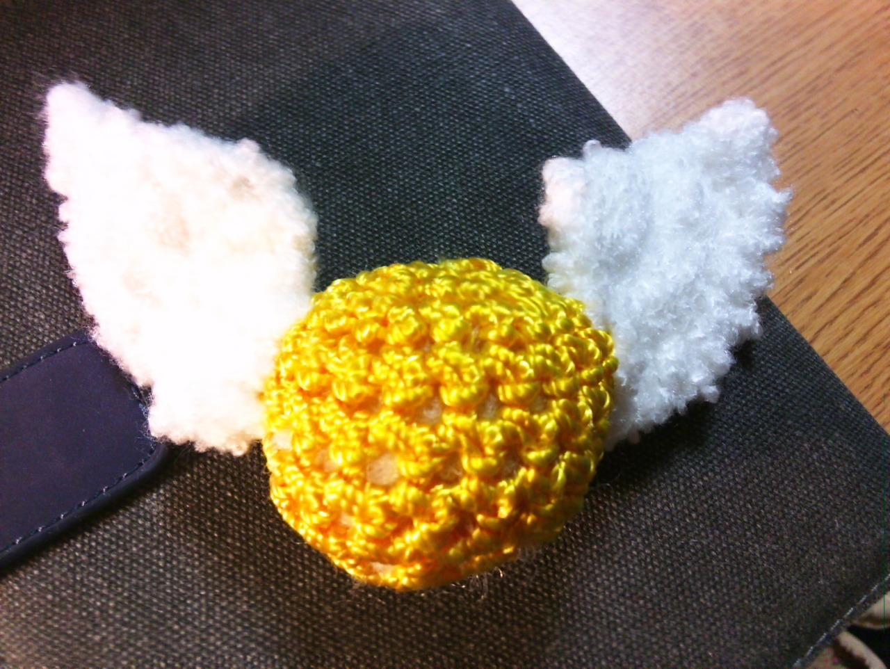 magnetizedkryptonite:  Hilary crocheted me a snitch!  :D