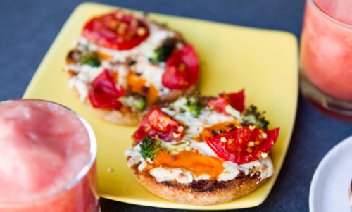 Mini vegan veggie BBQ pizzas from Happy. Healthy. Life. Stack 'em and scarf 'em like Newman's O's!