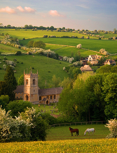 Naunton, Gloucestershire, England (by flash of light)