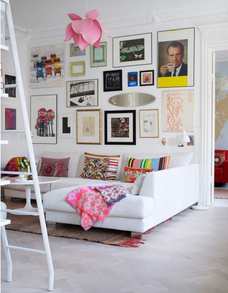 goddess-in-ruins:  white rooms with little pops of colour here and there are so inspiring x