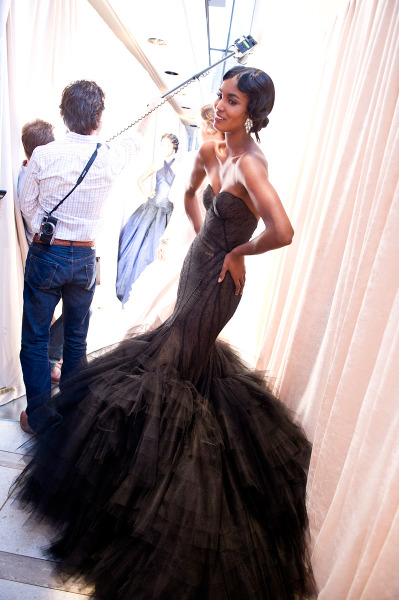 this is such a gorgeous dress…i wonder how hard it is to walk in…