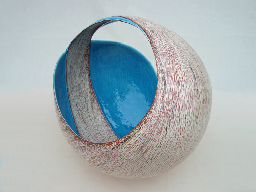 "Tanoue Shinya: KARA 09: Kan, 2009, Glazed clay, 22"" x 22 3/4"" x 22"" (h) / Keiko Gallery - Japanese artists"