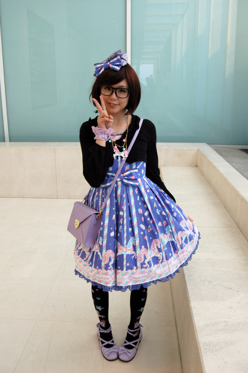 icicle-tea:  herajika:  Sugary Carnival outfit from Angelic Pretty, for an outing to the Royal Academy of Arts :)  Too cutee! <3