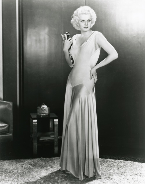 marilynettelounge:  We all know that Jean Harlow was Marilyn Monroe's favorite actress, but Harlow was also an idol of Marilyn's mother Gladys.