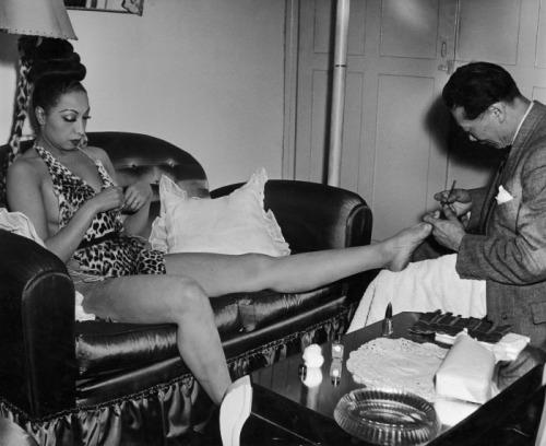 Josephine Baker c.1950 http://fan-de-bb.forumpro.fr