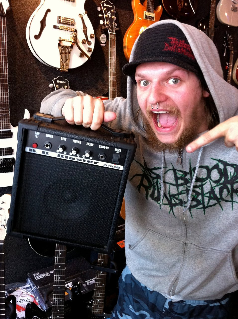 officialbeyondbetrayal:  Tom's New Amp  Haters gonna hate