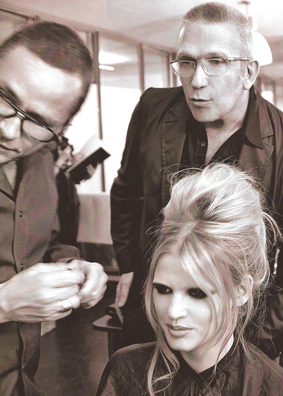 Jean Paul Gaultier, Lara Stone and Tom Pecheux backstage at JPG Haute Couture FW 09/10