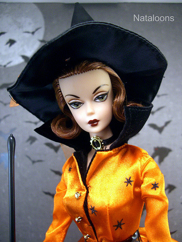 passionmakesmestronger:  Halloween Haunt Barbie (by Nataloons)