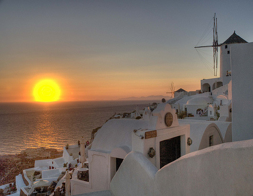allthingseurope:  Sunset in Santorini, Greece (by Jordi Muñoz Quiñones)