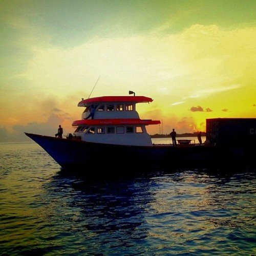 #sunset #boat #Maldives  (Taken with Instagram at Thin Ruh Park)