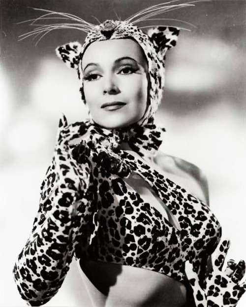 "vintagegal:  Dolores Del Rio in ""Journey Into Fear"" 1943"