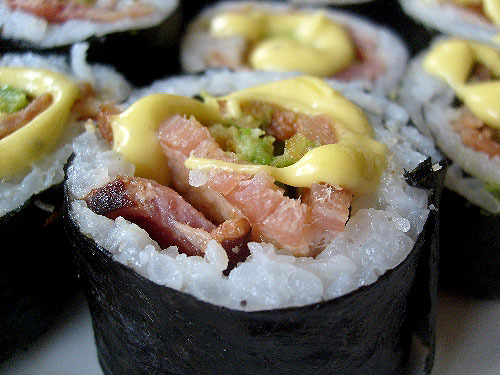 bacon-world:  bacon & avocado sushi