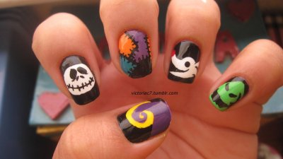 I know that Nightmare Before Christmas nails have been done a million and one times, but I had an idea, and I really wanted to try them for myself! Plus, it's the month of Halloween so what better time right? I'm very happy with how they came out; definitely one of my favorite manis.  I did this using both acrylic paints and nail polish.  For colors just ask!