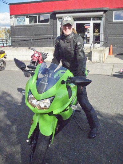 Shelly Wommack on her sweet little Ninja 250. This lovely lady just got this bike for her birthday, what a lucky motorcyclin' mama!