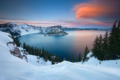 Crater Lake, Oregon©  Sheldon Nalos
