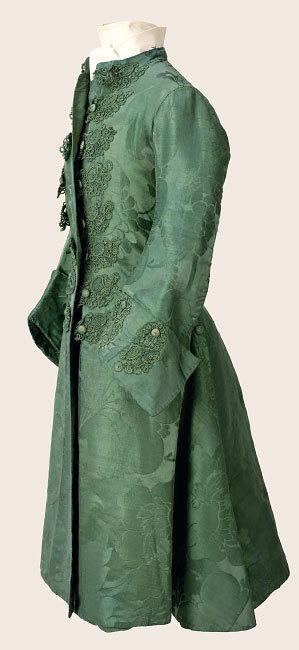 oldrags:  Mens banyan, ca 1760 England (ca 1742-43 silk), Cora Ginsburg A banyan was a comfortable, warm, semi-fitted coat worn by fashionable men at home.  They were inspired by coats worn in India which must have caught the interest of European traders.