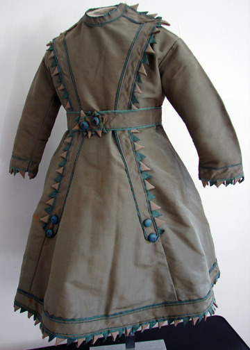 Girl's dress, 1860's, Maria Niforos This is a rather….sharp dress lol. (I'm the funniest person I know.)