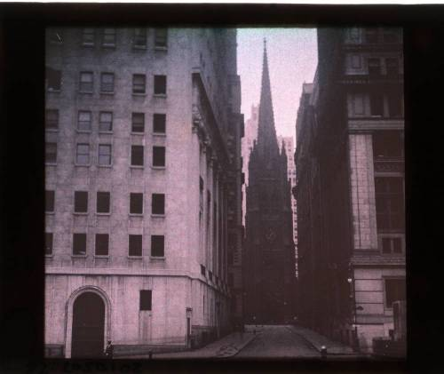 liquidnight:  Charles C. Zoller Wall Street Trinity Autochrome, circa 1915 [From the George Eastman House collection]