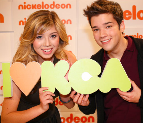jennette looks a little like miranda from this angle. maybe it's her cheeks?