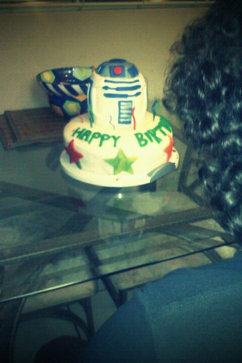 My friends birthday cake.. I'm friggin jealous!