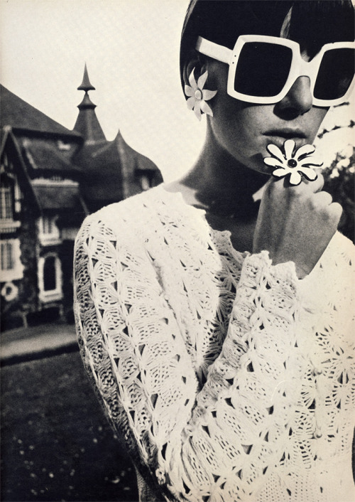 nikophotography:  David Bailey, British Vogue, July, 1965