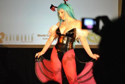 ggkatyfox:  One of the shots from yesterday of my Morrigan cosplay.  Still a fair way to go to awesome completeness but satisfied for now heh
