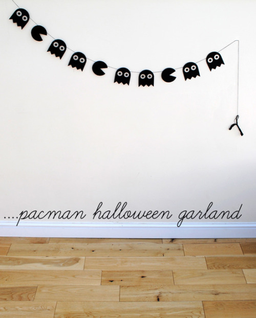 What a cool packman garland for Halloween!