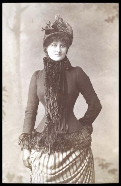 treselegant:  Miss Mary Anderson , stage actress, 1880s. Wrapped up for the cold weather in a pretty fringed jacket.