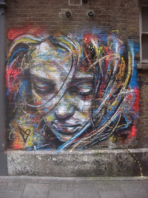 beesnest:  street art via pinterest
