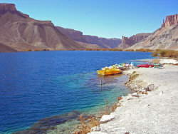 shamila-ki-jawani:  Lake Band-e-Amir, Afghanistan by Carl Montgomery on Flickr.  What a jewel.