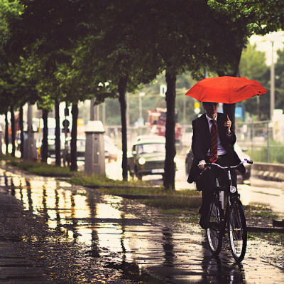 allthingseurope:  A rainy day in Berlin (by Julia Dávila.)