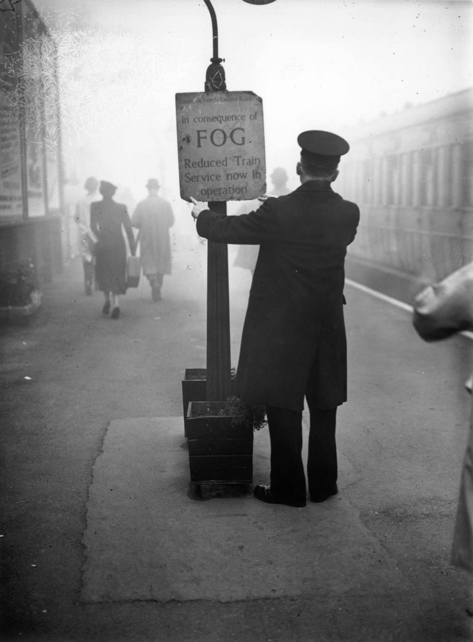 London, 1938. peepharr