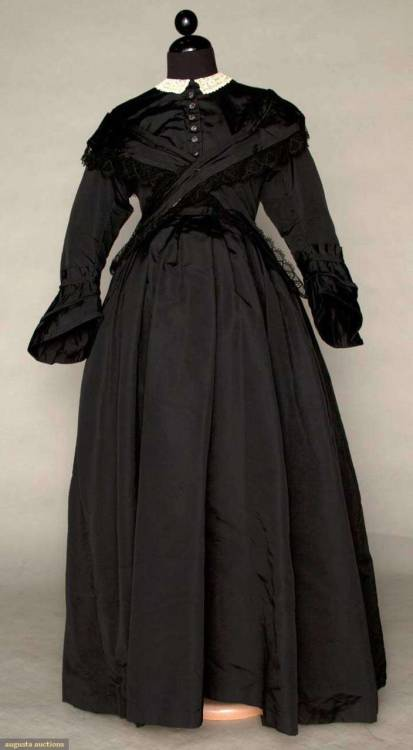 Maternity mourning dress, ca 1870 Yikes.  Can't say I've ever seen one of these.