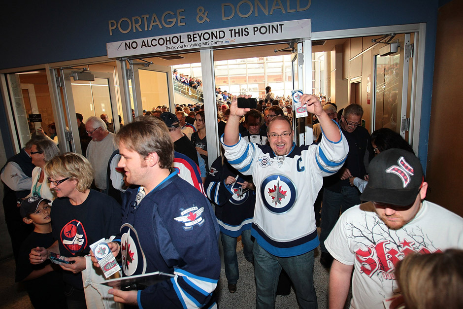 nationalpostsports:  GALLERY: They're back! The Winnipeg Jets are playing their first game at home. Marianne Helm/Getty Images