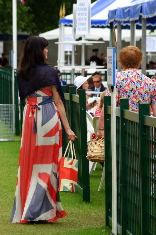 Hands down the best Henley outfit I saw out there. Rule Britannia, Britannia rule the waves!