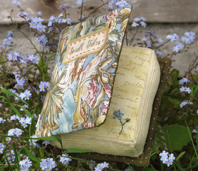 mykindafairytalee:  Little Book - Small Tales by PatchworkPottery on Flickr.