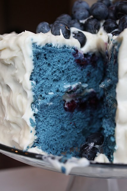 blue velvet cake from blueberries….