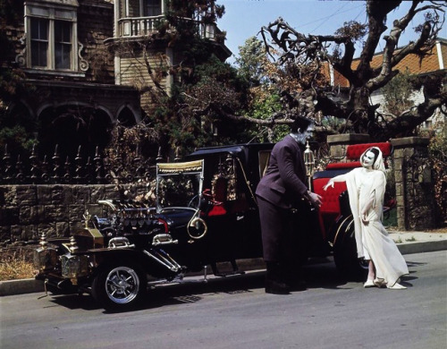 neuronfires:  vintagegal:  The Munsters  Dream life. When I was younger and I was going trough all of the issues with my anxiety diagnosis, I would watch reruns of The Munster's, Gilligan's Island, The Brady Bunch, etc. on Nick At Night, from 9pm to 6am. I wouldn't sleep. My favorite was The Munster's though, I wanted Grandpa to be my grandpa, I wanted Lily to be my mom, and so on. I loved how scary their house was, and how no one understood them, but they were so happy.