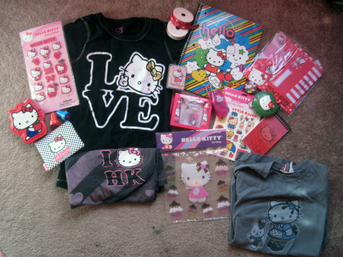 milktune:  hello kitty giveaway includes three t-shirts (size small) i know it's lame, but i can't handle throwing it all away and it needs a home :( ✩ no likes, just reblog ✩ ending date will be announced ✩ you don't have to follow me