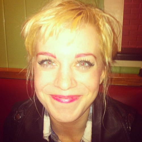 pink columbia eyebrows at chilis (Taken with instagram)