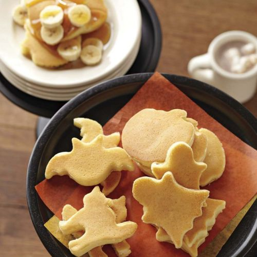 Halloween Mini Pancakes made with molds from Williams-Sonoma