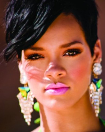 Beautiful sumplicity….Rihanna Princess xox