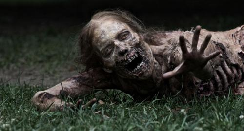 The Walking Dead Season 2 premieres on October 16th! In case you didn't know yet, AMC has created 6 (2-5 minutes) webisodes that detail the early stages of the zombie outbreak. You can watch it online here.