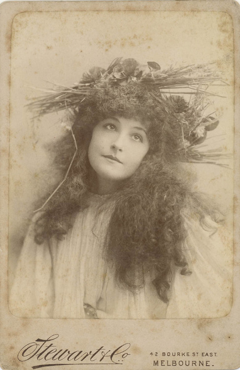 carolathhabsburg:  Victorian stage actress as Hamlet´s Ophelia.
