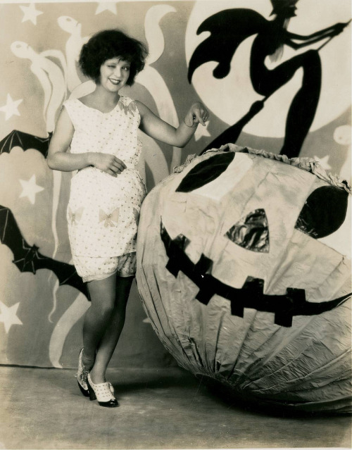 Clara Bow, witch and pumpkin