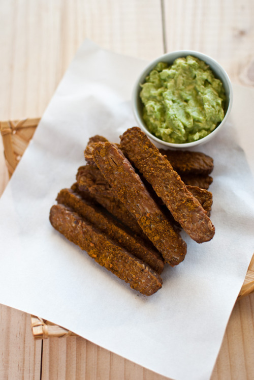 capturedcravings:  Spiced Tempeh Chips with Creamy Avocado Dip
